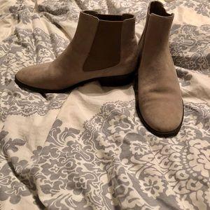 14th & Union gray flat booties